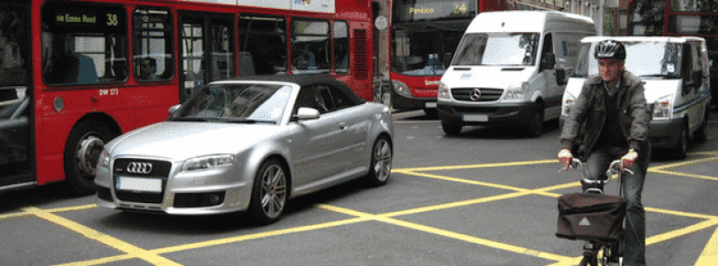 The Car Expert's 5 Worst Driving Habits in the UK