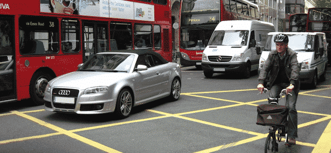 The five worst driving habits in the UK