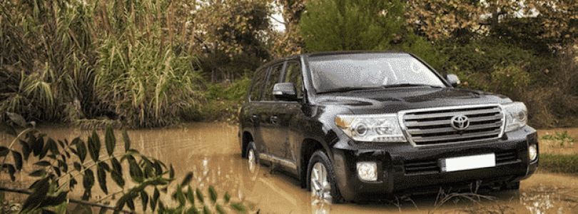 A Toyota Land Cruiser 200 goes off-road