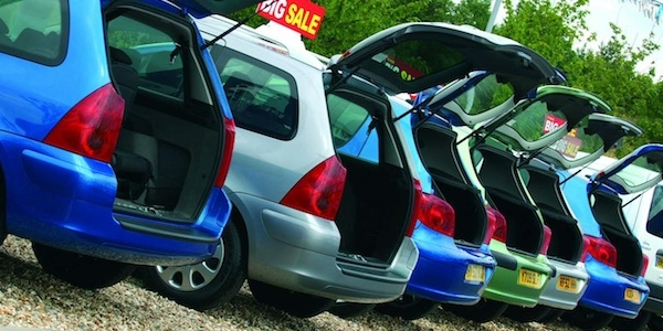 Used Car Pricing:  Why are cars sometimes advertised at two different prices?