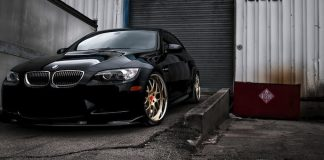 A stunning BMW M3 with aftermarket alloy wheels (The Car Expert)