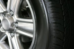 Use a good tyre shine when cleaning your car (The Car Expert)