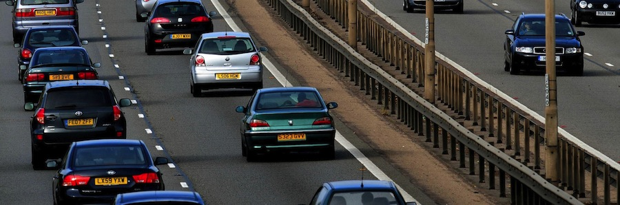 Tailgating is dangerous, especially at motorway speeds (The Car Expert)