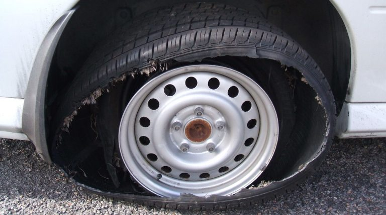 How to deal with a tyre blowout