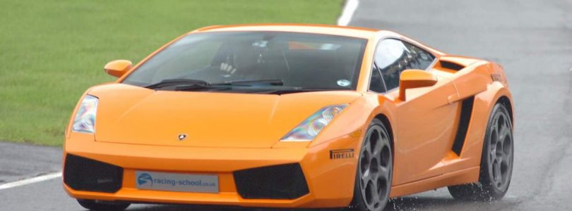 Lamborghini Gallardo supercar driving experience at Brands Hatch (The Car Expert)