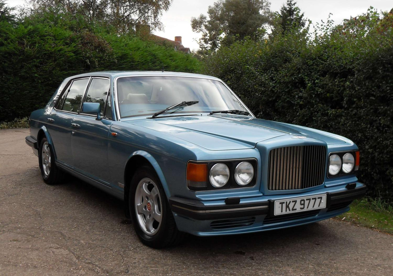 Bentley Turbo R - 10 cool cars for under £10,000 (The Car Expert)