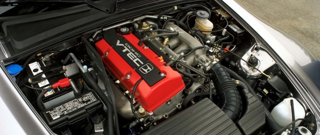 Honda-S2000-VTEC-engine