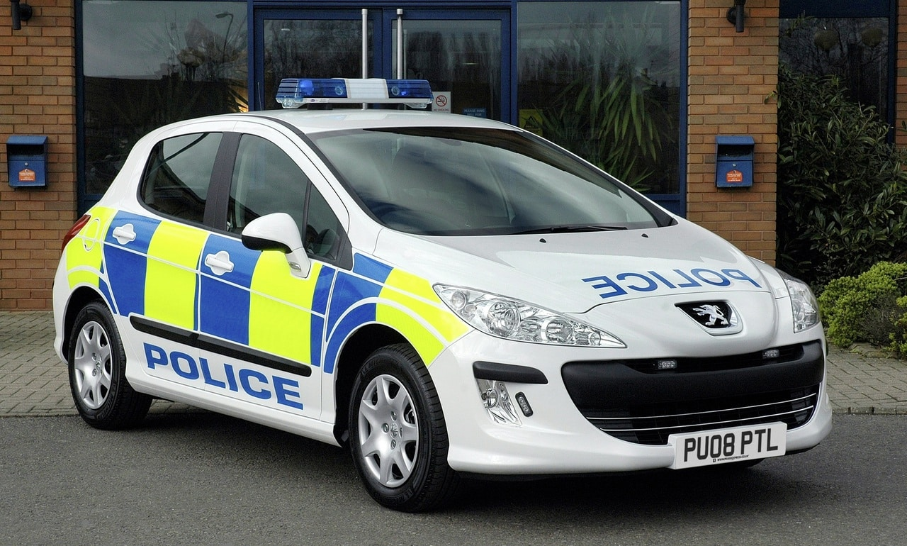 Peugeot-308-police
