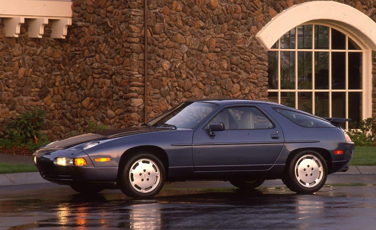 Porsche 928 S4 - 10 cool cars for under £10,000 (The Car Expert)