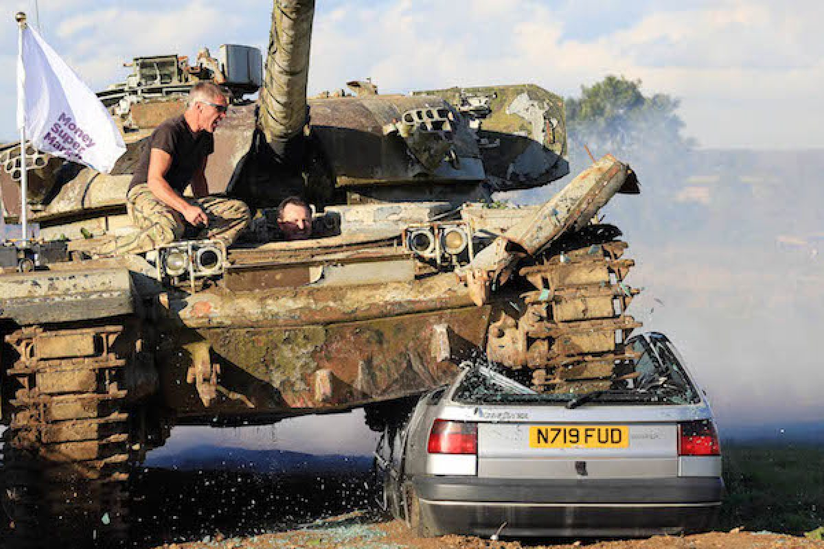 Driving a tank - a crushing experience! | The Car Expert