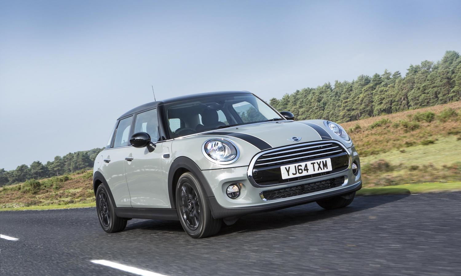 MINI-Cooper-five-door-review-featured
