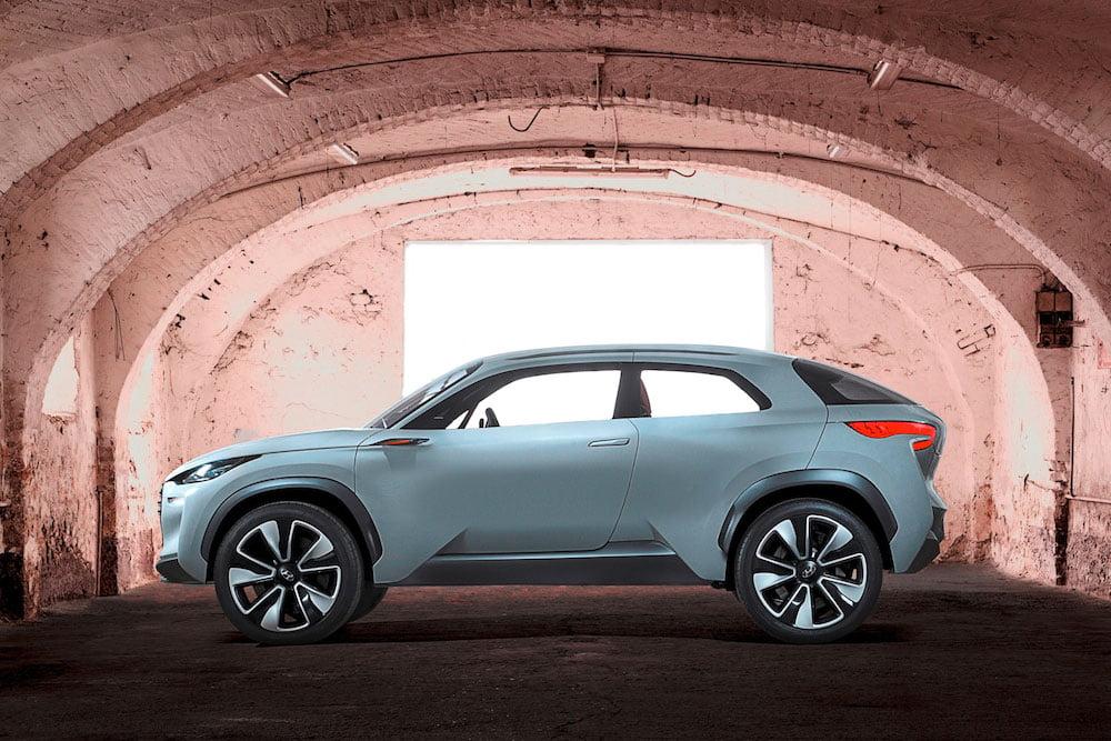 Hyundai Intrado concept car 02 (The Car Expert, 2014)