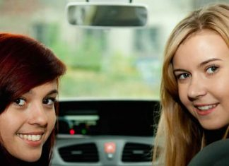 Can black box insurance reduce young driver crashes?