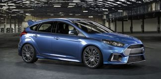 Ford Focus RS 800x400