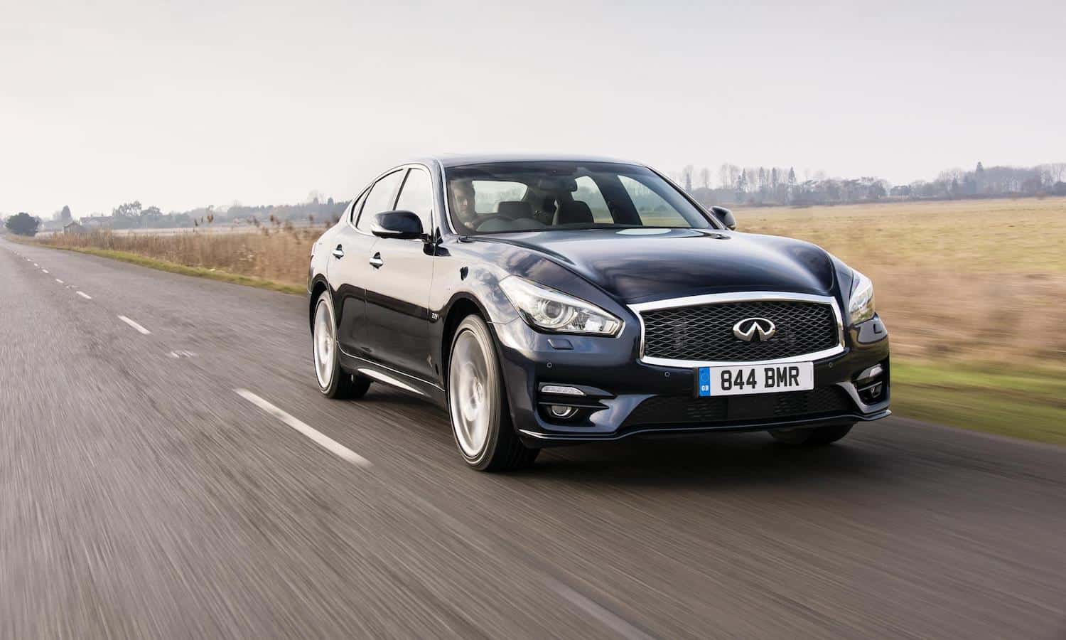 Infiniti-Q70-review-featured