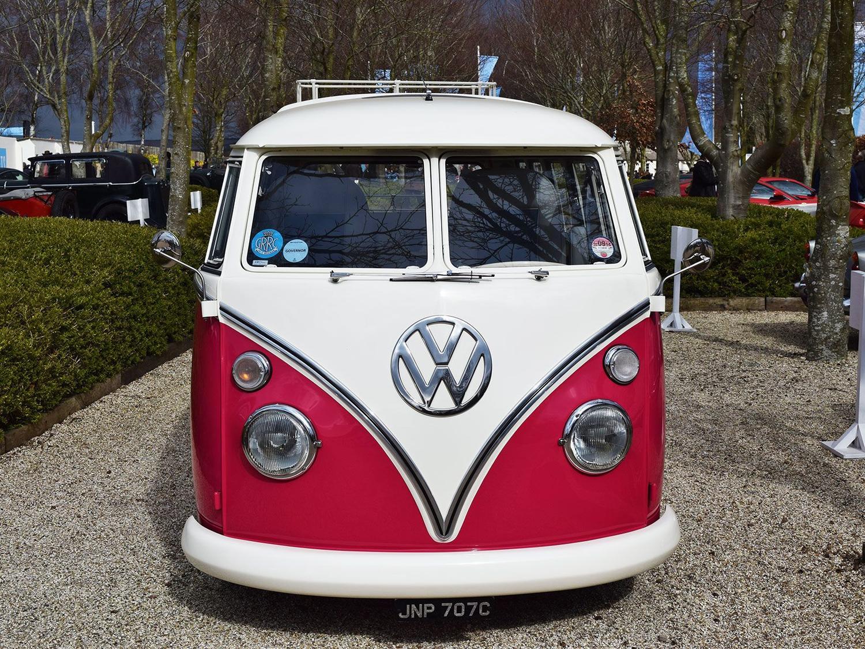 Volkswagen Type 2 'splittie' camper at the 2015 Goodwood Members' Meeting #73MM