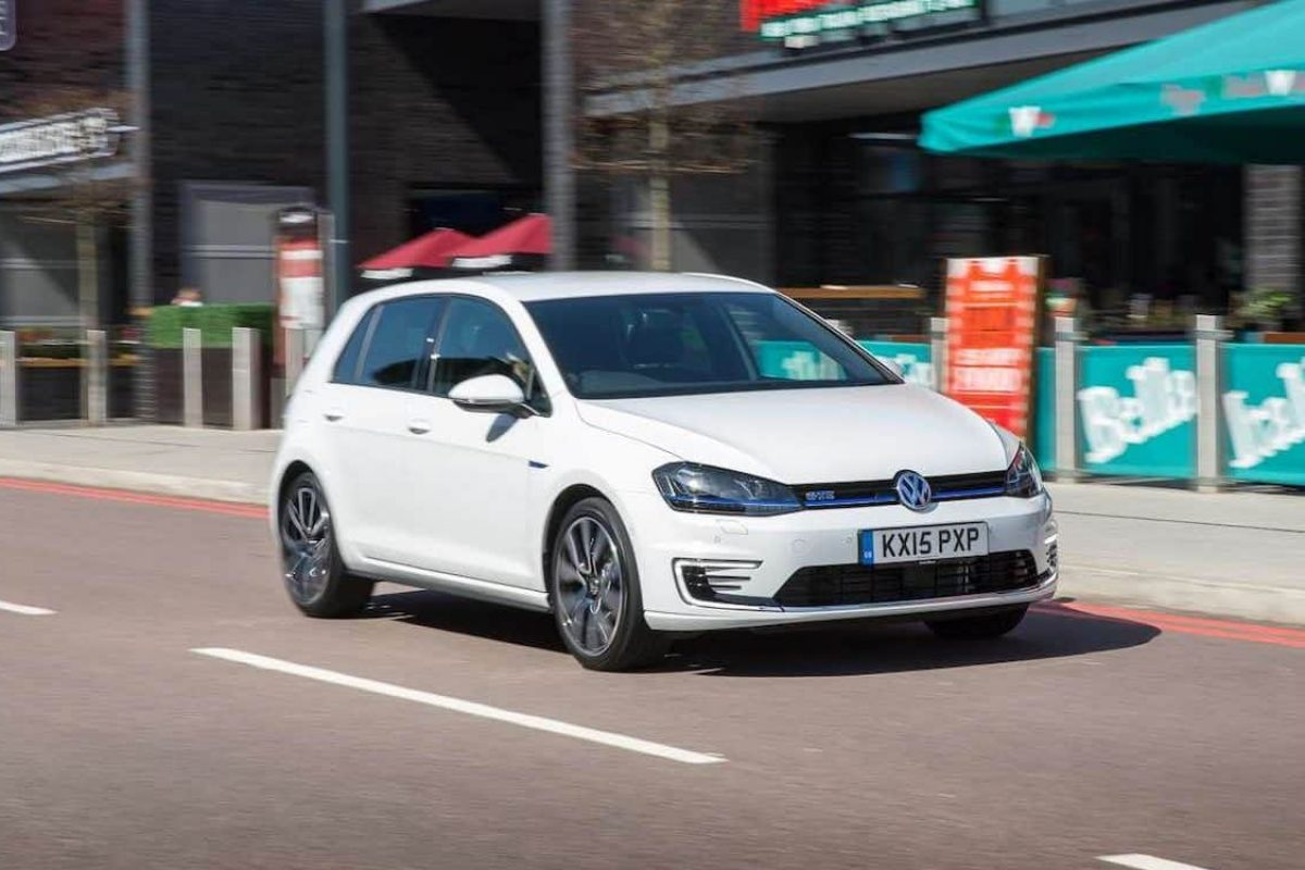Volkswagen Golf GTE review (The Car Expert)