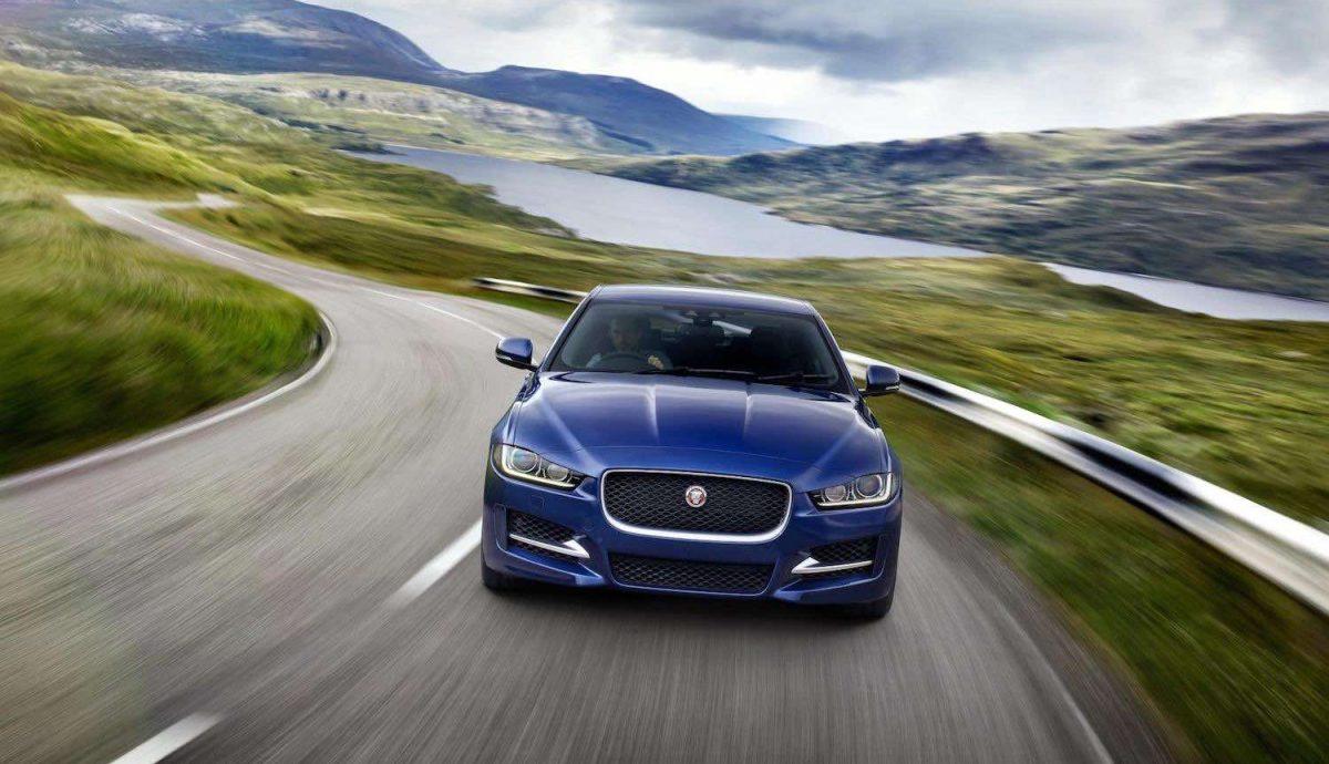 Jaguar XE review (The Car Expert)
