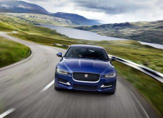 Jaguar XE review (The Car Expert)