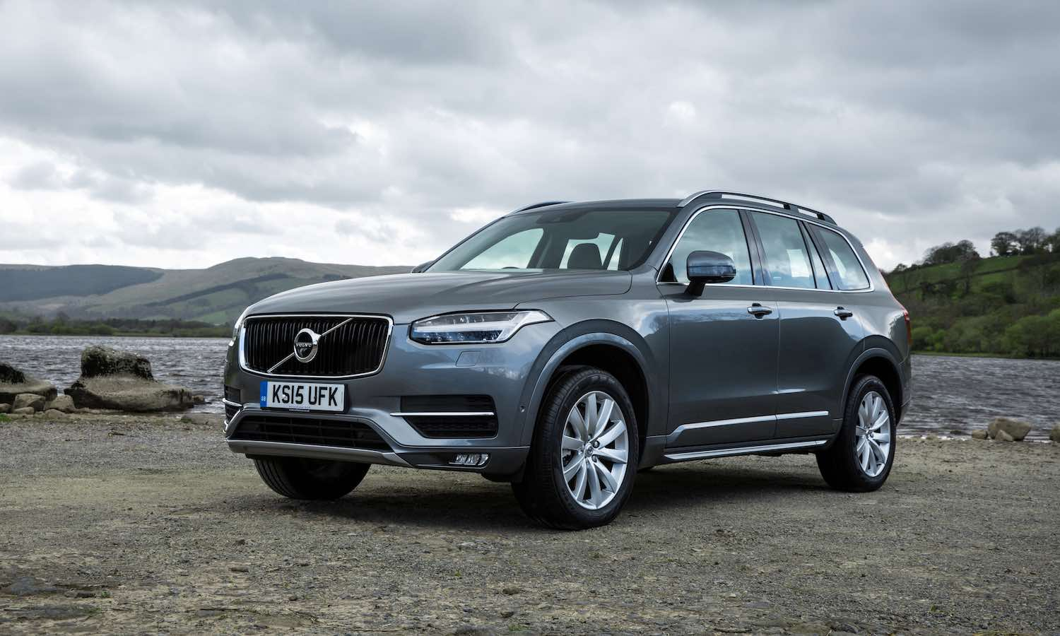 Volvo-XC90-review-featured