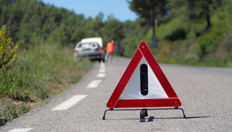 Five common roadside emergencies and how to deal with them