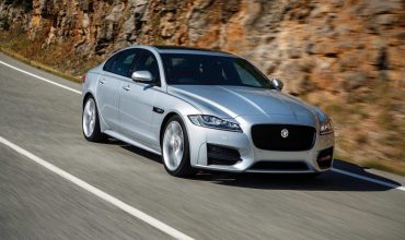 Jaguar XF review (The Car Expert)