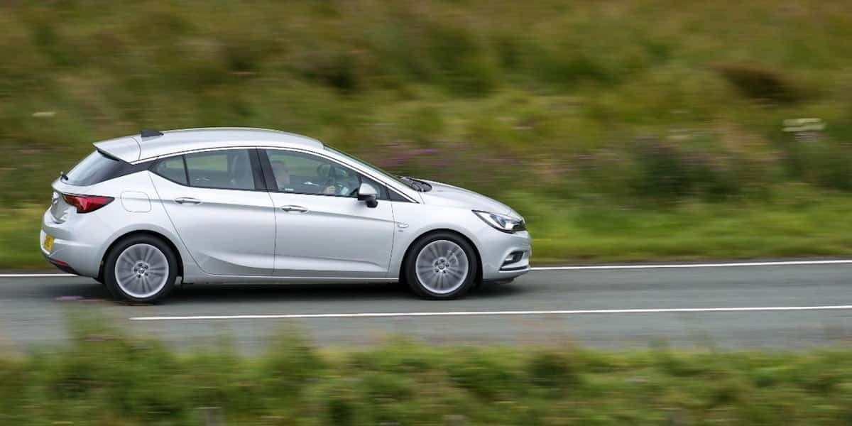 Vauxhall Astra review 2015 profile   The Car Expert
