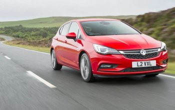 Vauxhall Astra review (The Car Expert)