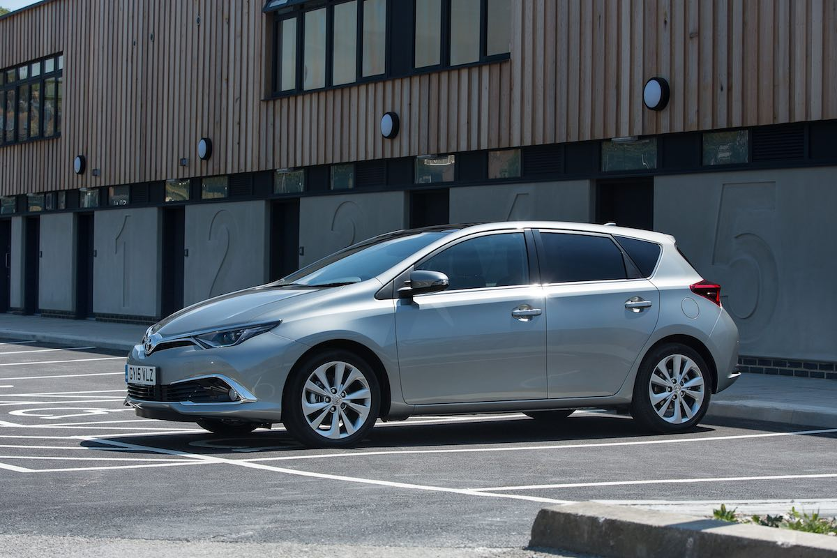 Toyota Auris Excel exterior static