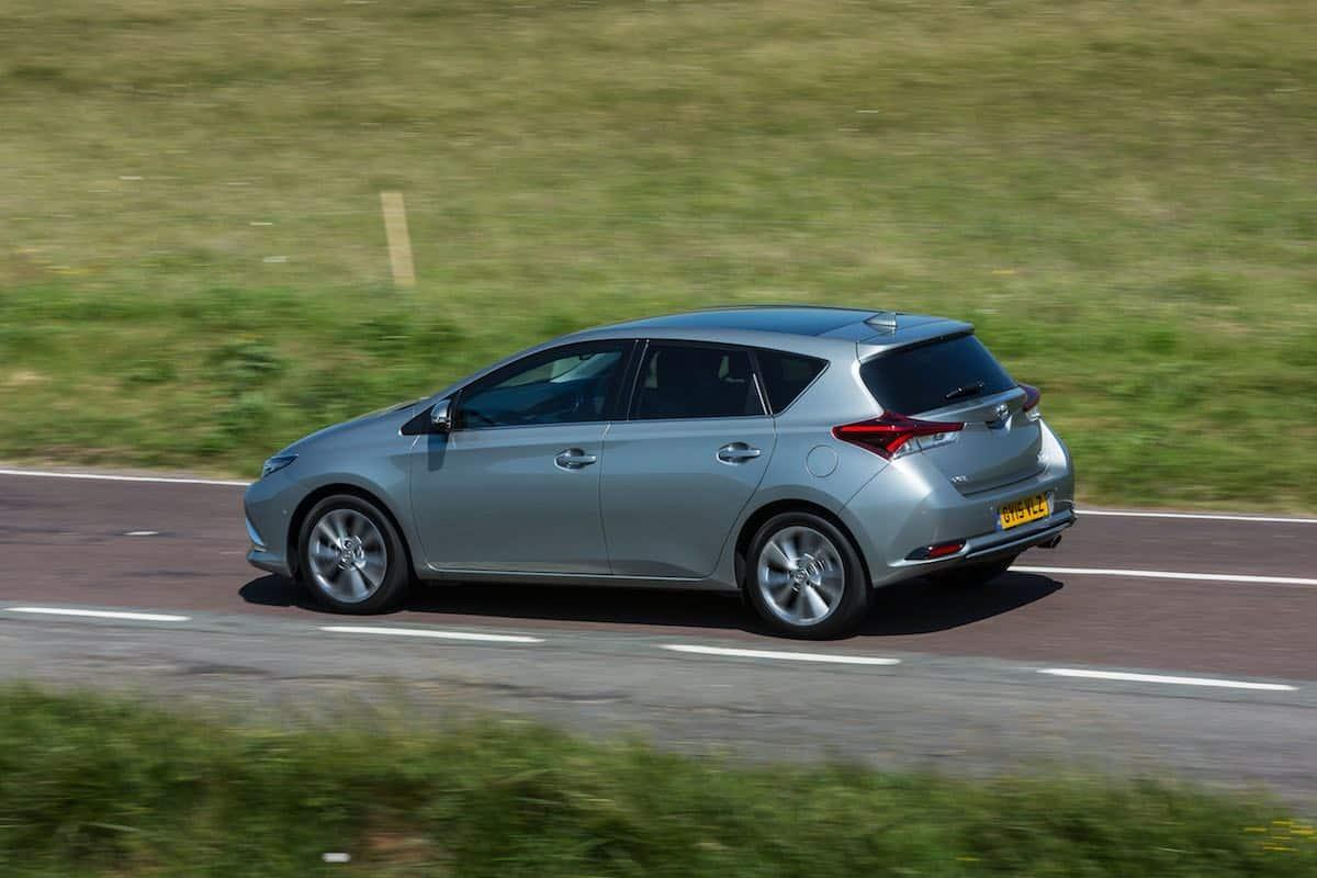 2015 Toyota Auris Excel review | The Car Expert