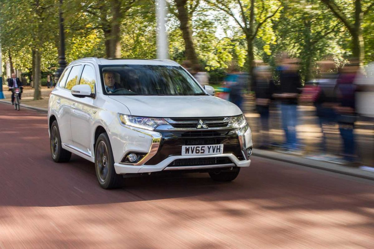 Mitsubishi Outlander MY2016 review (The Car Expert)