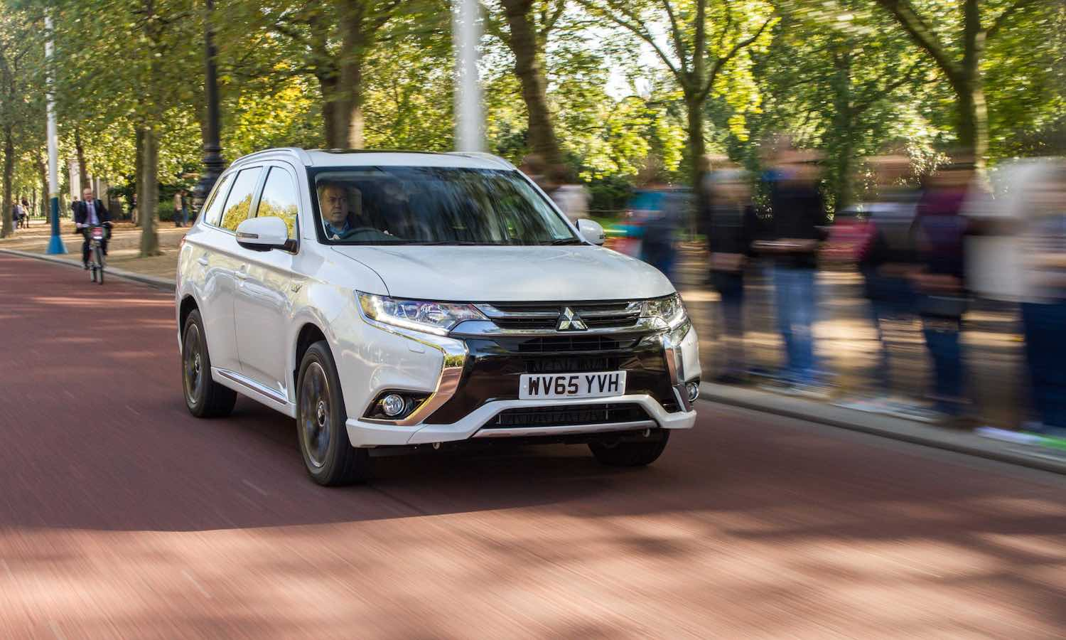 Mitsubishi-Outlander-PHEV-MY2016-review-featured