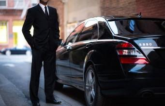 Uber black Mercedes-Benz
