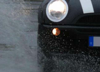 Aquaplaning is a dangerous occurrence on the roads
