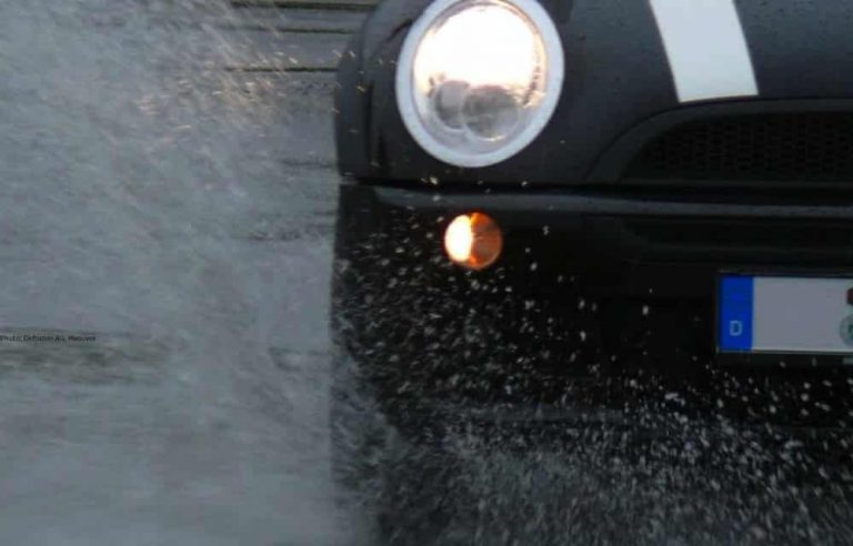 How to deal with aquaplaning