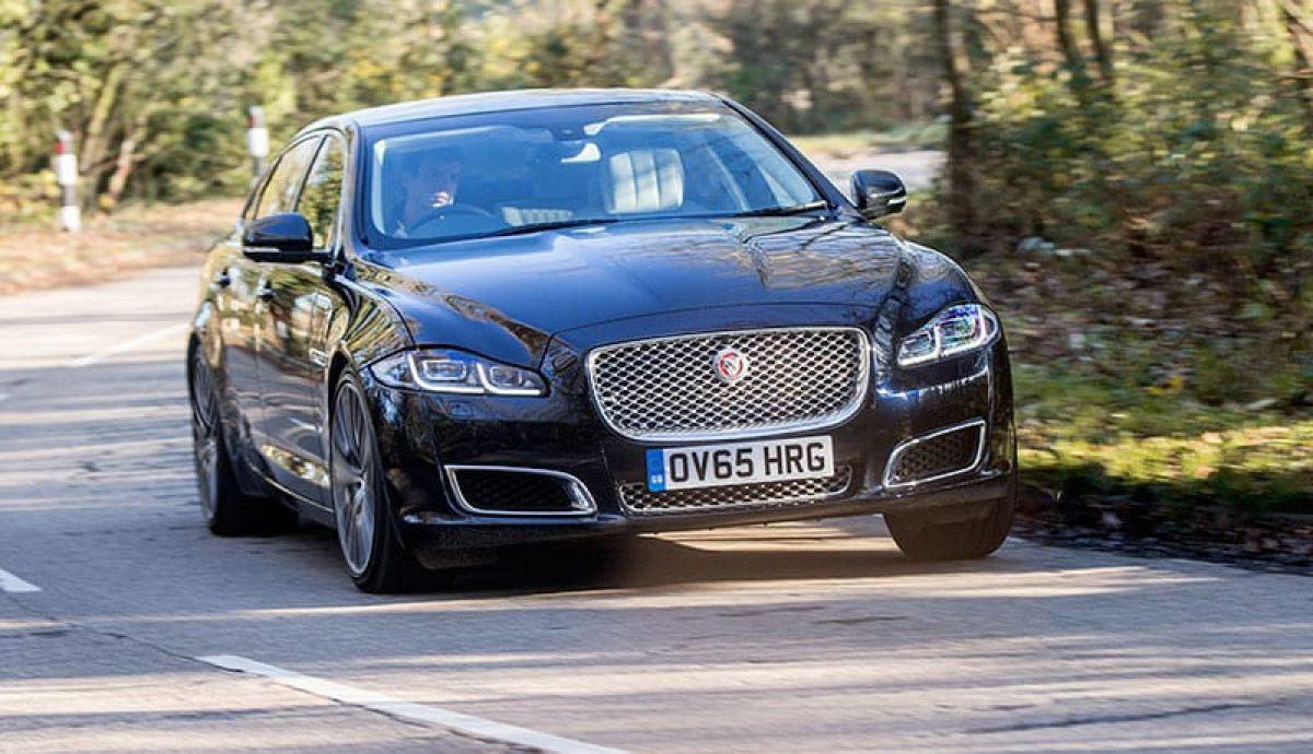 Jaguar XJ review (The Car Expert)