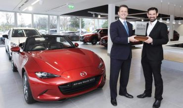 The Mazda MX-5 has been named as the winner of the UK Car of the Year Awards.