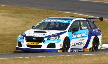 Subaru triumphs in BTCC battle with Honda