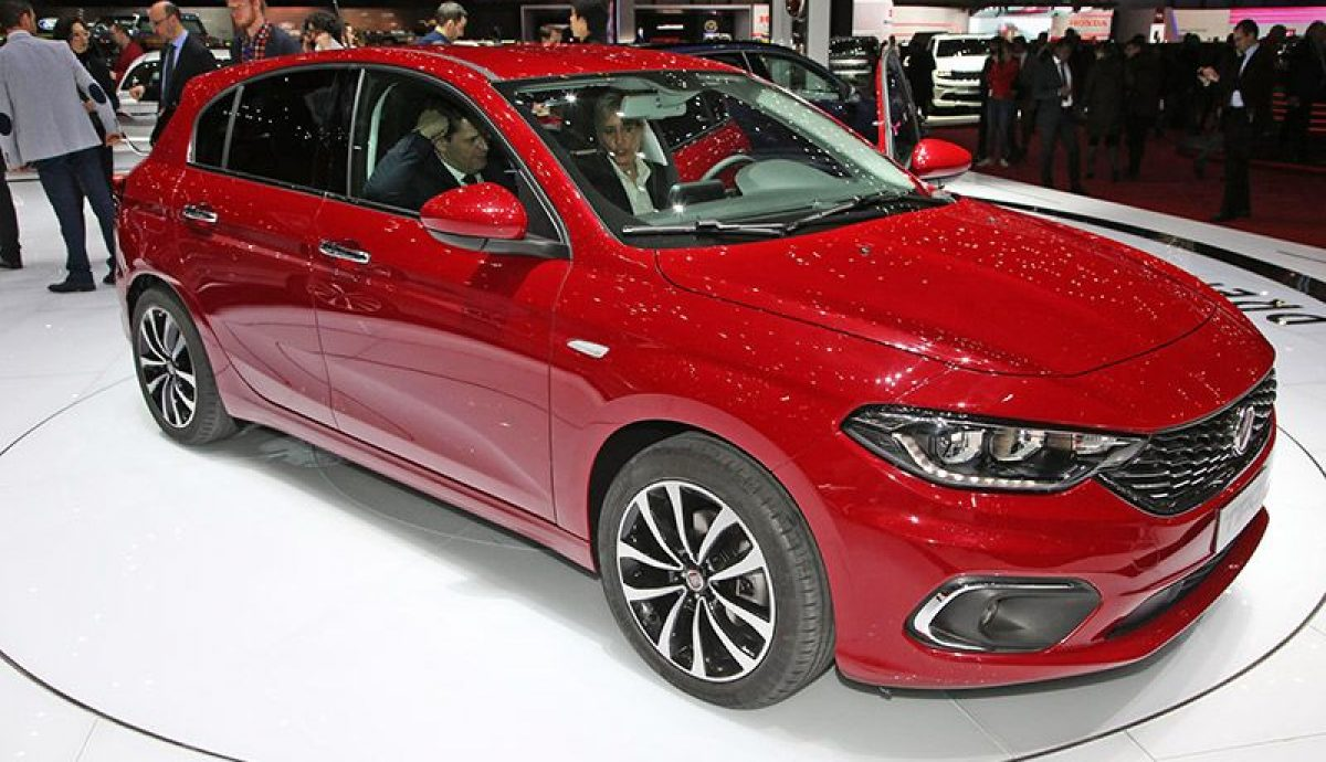 Geneva show – two Fiat Tipos for UK