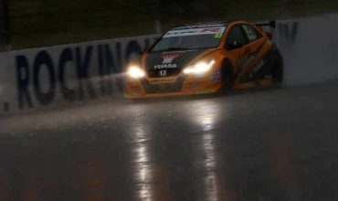Honda reigns in the rain at Rock BTCC