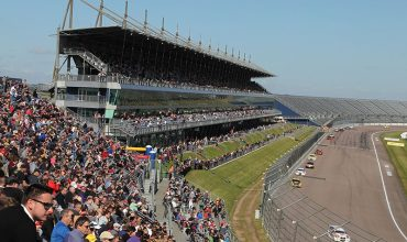 All to play for as Touring Cars hit Rock