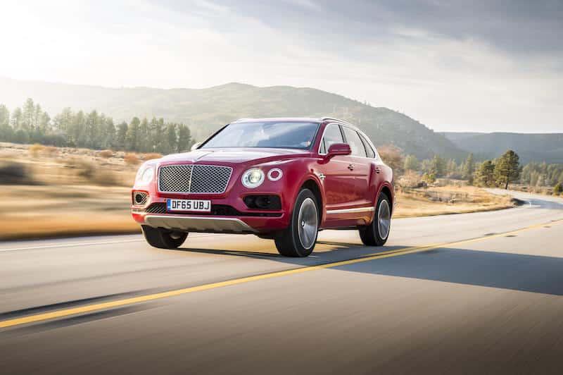 Bentley Bentayga in Dragon Red