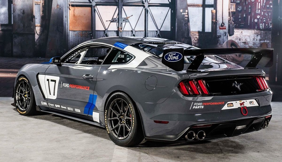 Ford unveils Mustang GT4 race car