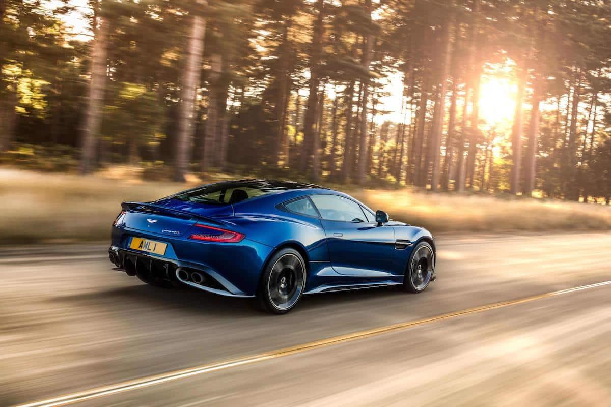 Aston Martin Vanquish S 05