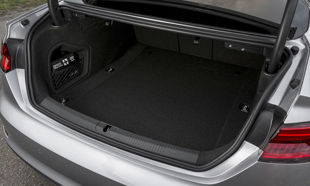 Audi-A5-boot
