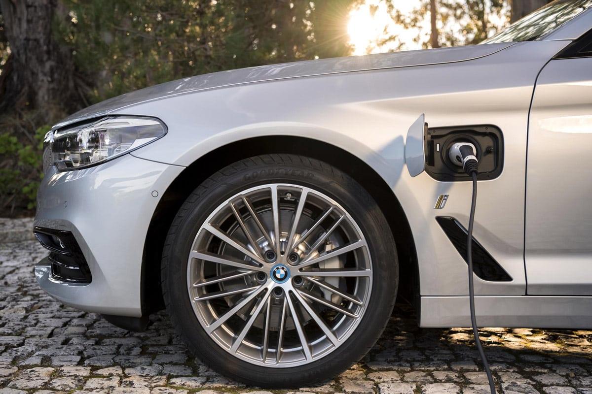 BMW-530e-plug-in