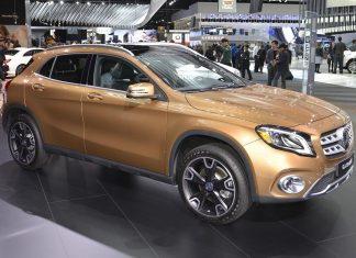 Mercedes-Benz GLA 01