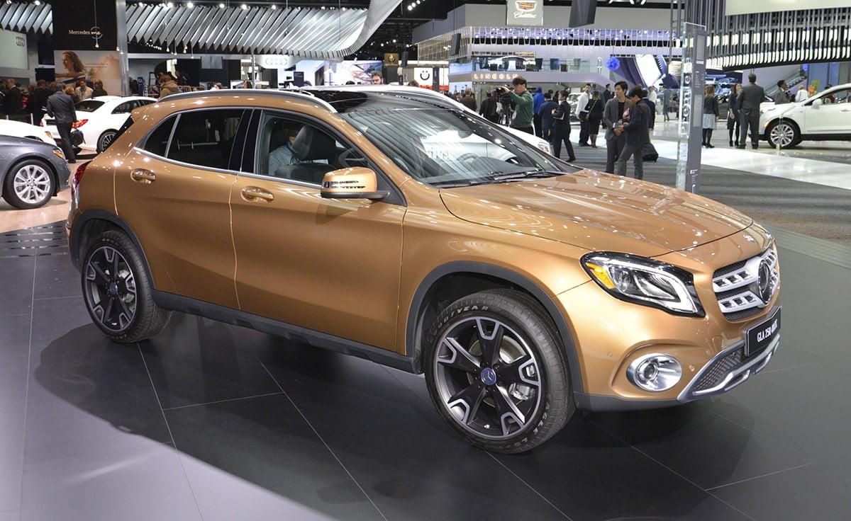 1701-Mercedes-Benz-GLA-01
