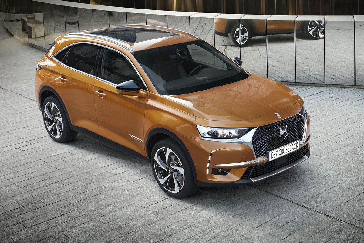 1702-DS7-Crossback-01