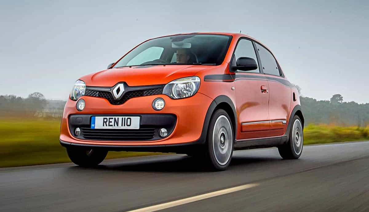 Renault Twingo GT on road front 34